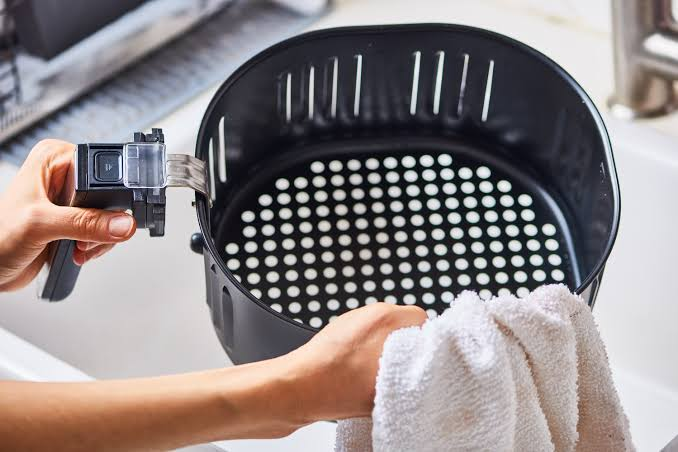 air fryer cleaning
